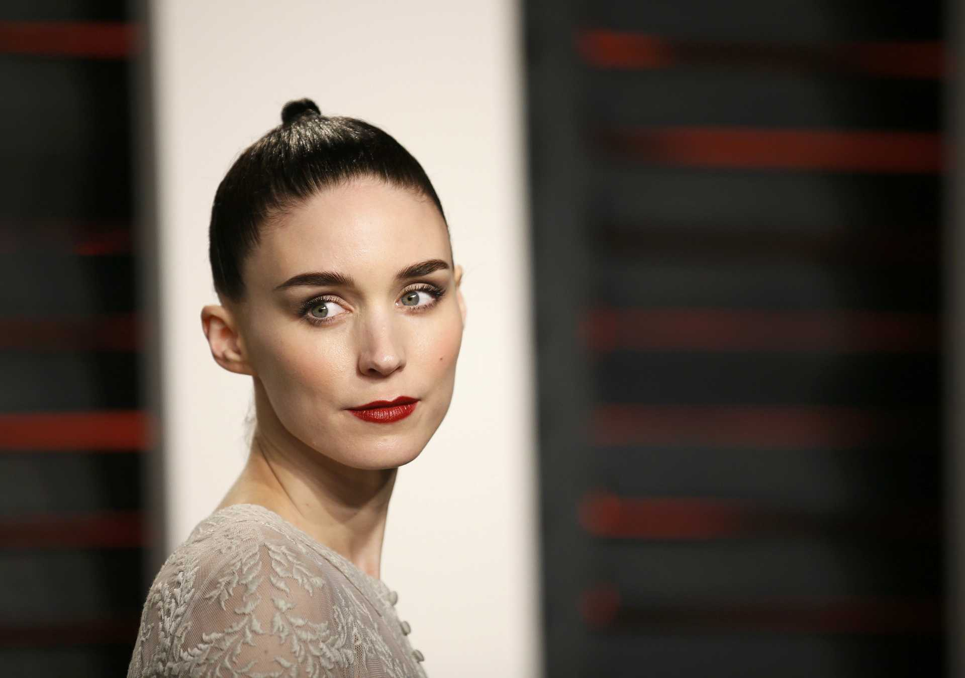 Actress Rooney Mara arrives at the Vanity Fair Oscar Party in Beverly Hills