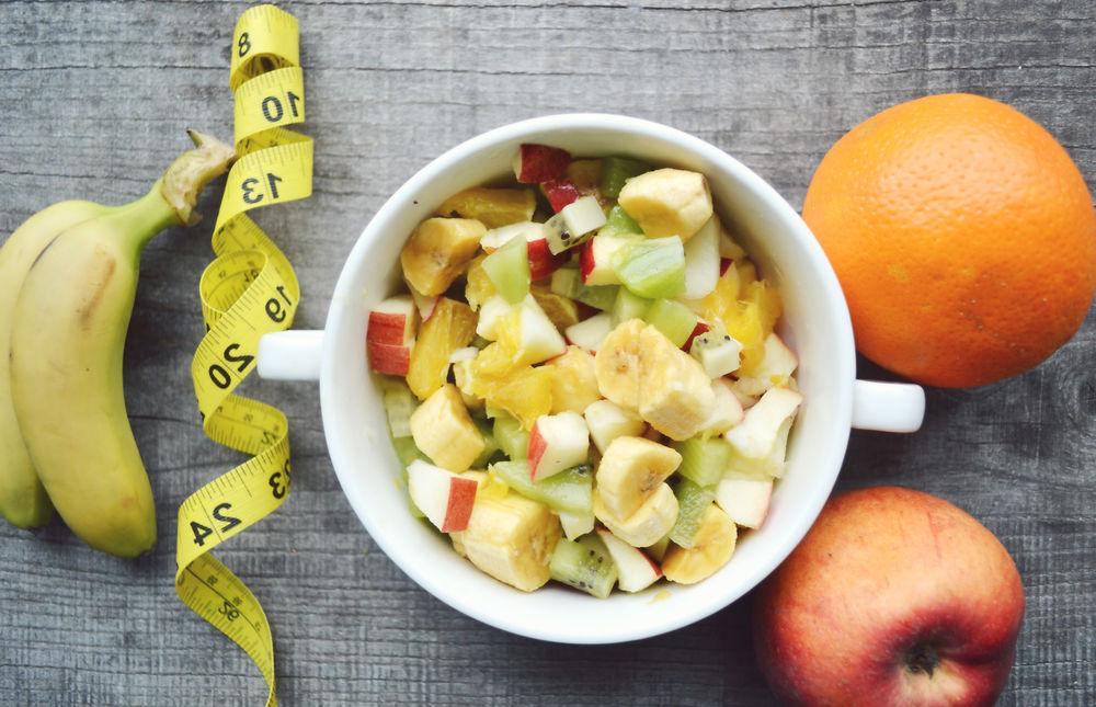 5. Procure uma dieta variada com horários e alimentos compatíveis