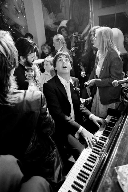 Paul McCartney playing piano at Ringo Starr's wedding, 1998