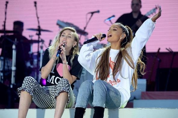 4 Miley e Ariana