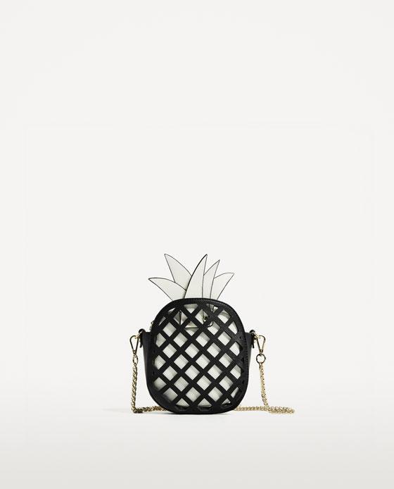 Mala de tiracolo ananás, Zara, €25,95